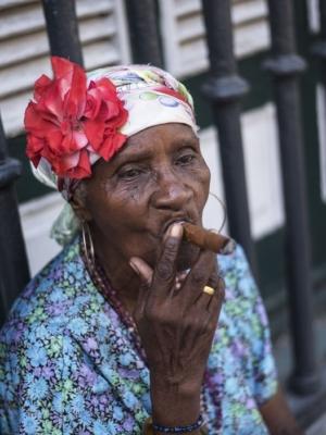 Une femme à CUba